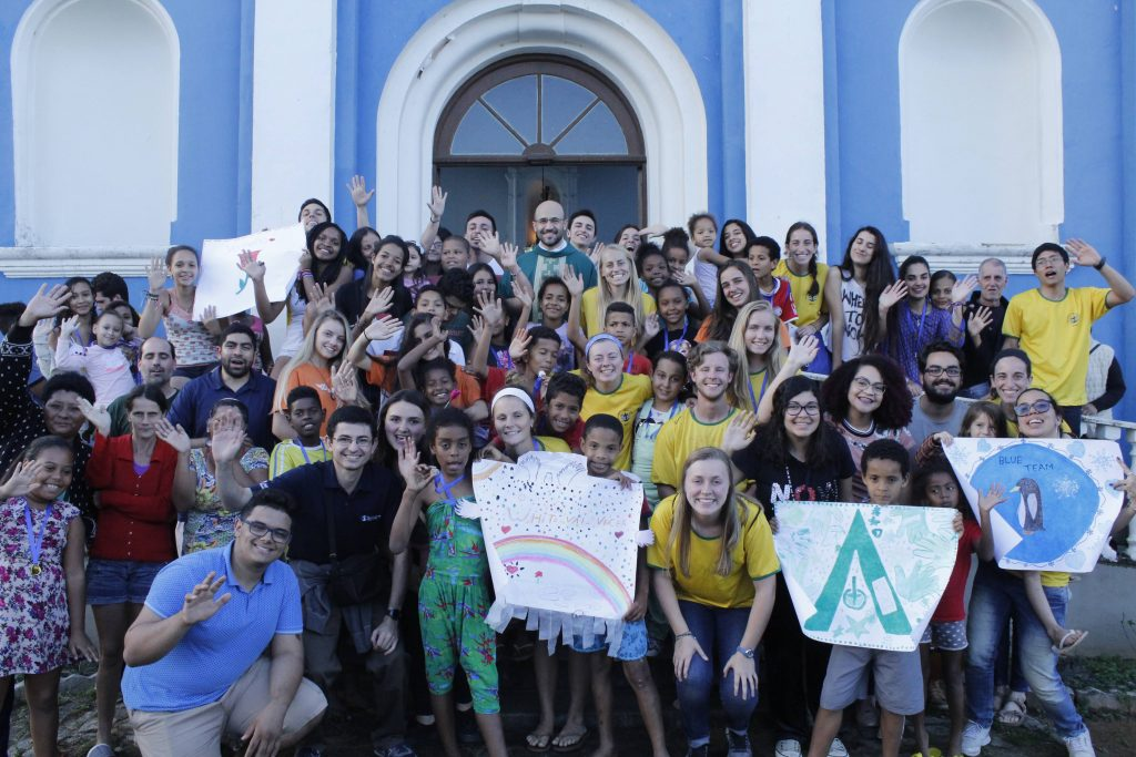Voluntarios Celebrating faith